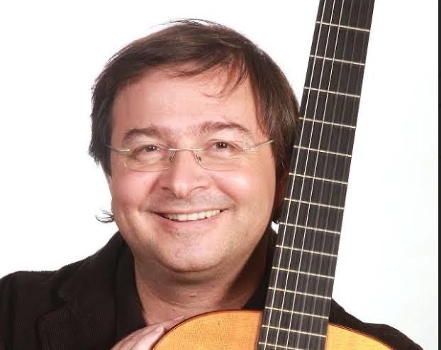 Licenciatura Música recebe Camilo Carrara